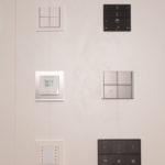 Ekinex Tastsensoren aus Metall. Fühlen sich super an, haben alle einen Helligkeitssensor und einen Temperatursensor!